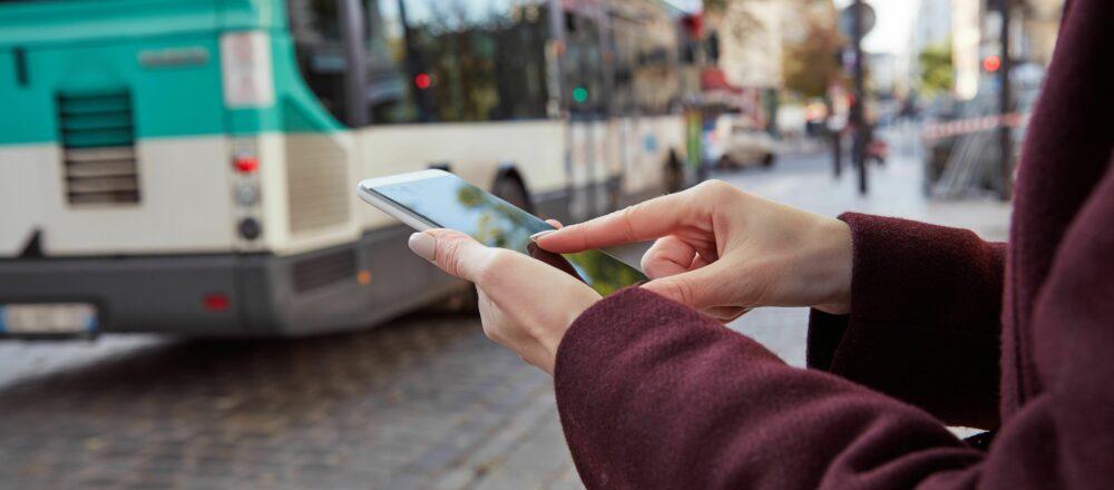 Chatbots & ÖPNV: Wie in den öffentlichen Nahverkehrsbetrieben Chatbots eingesetzt werden können
