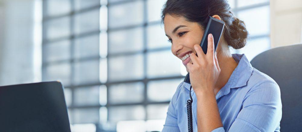 So federn Sie Aktivitätsspitzen im Callcenter durch Chatbots ab