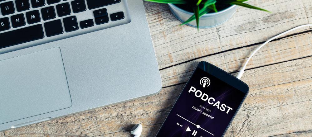 KI für den Mittelstand - Lydia Bahn spricht im Video-Podcast AI Café über erfolgreiche Chatbot Anwendungsfälle