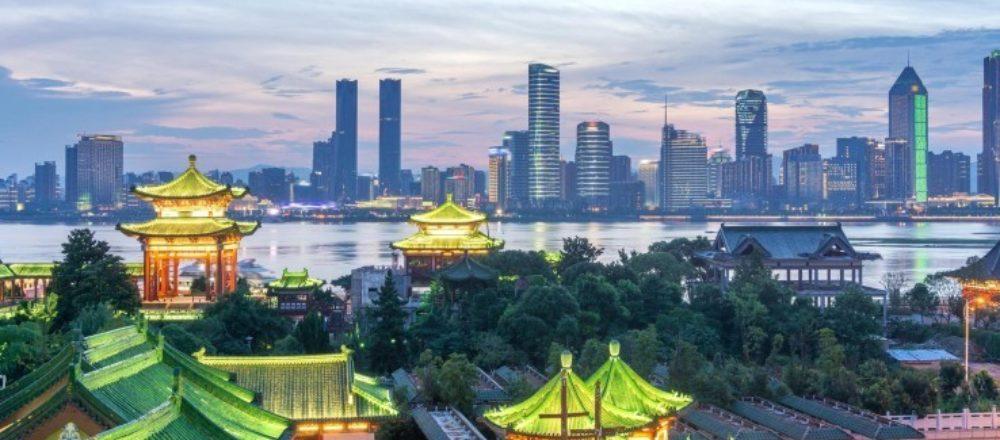 """Delegationsreise nach Shenzhen: Lydia Bahn im """"Silicon-Valley von China""""."""